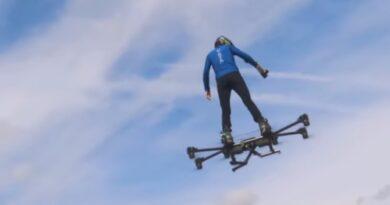 घर में hoverboard बना उड़ने का सपना किया पूरा | Hunter kowald