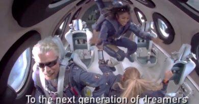 virgin galactic space flight Richard Branson shrisha